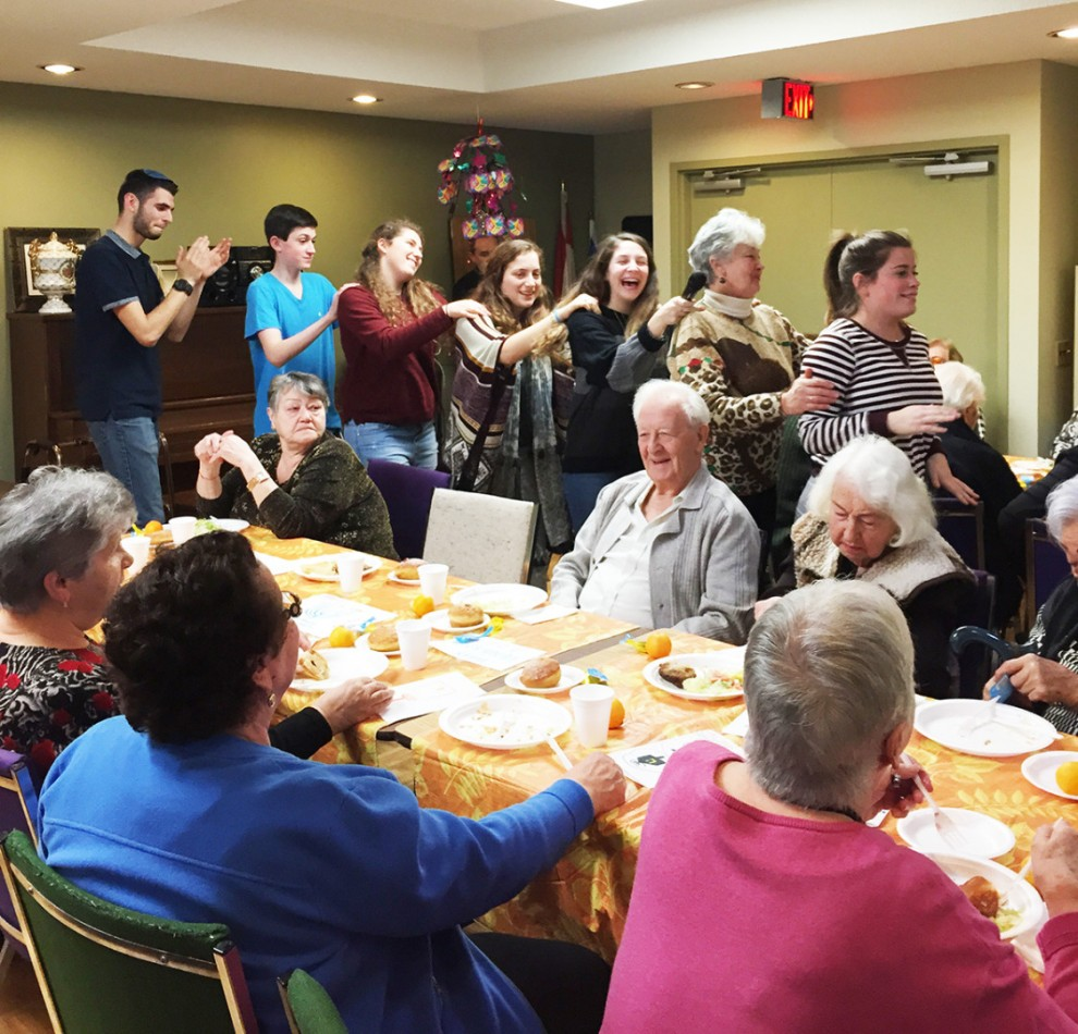 Seniors Celebrate Chanukah at the Bernard Betel Centre